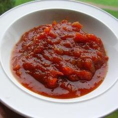 This tomato chutney recipe is easy to make and tastes great just on crackers. As this chutney disappears instantly with my family and friends, I always like to make a large amount (but there is still never enough to satisfy the demand. Raw Food Recipes, Indian Food Recipes, Cooking Recipes, Healthy Recipes, Drink Recipes, Comida India, Tomato Chutney, Chutney Recipes, Healthy Eating Tips