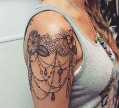 i like the lil dangles lol #shoulder_tattoo_sleeve