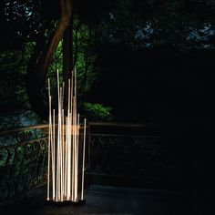 Reeds Outdoor Lamp of Artemide is a floor lamp for outdoor use composed of seven flexible stems, designed by Klaus Begasse and available in single or triple and three versions. #outdoor #lamp