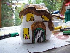47...a little fairy's teddy bear and still to be painted dolly in the windows of the fairy house By @gennepher