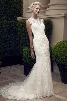 """#Wedding Gown Trends 2015 - """"Lace"""" from Casablanca Bridal 2015年のウェディングドレスのトレンド「レース」。今シーズンは、グレイス・ケリーやキャサリン妃のようなクラッシックな印象を残しつつ、レースの模様を強調し、より魅惑的なデザインが目を惹きます。"""