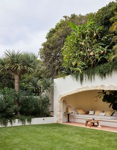 Australian Architecture, Australian Homes, Camellia Tree, Boulder House, Tiered Garden, Built In Seating, Most Beautiful Gardens, Plant Species, Inspired Homes
