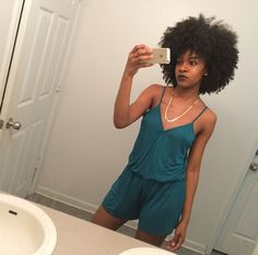 Her fro is to die for ❤️ Urban Hairstyles, Natural Hair Types, Hair Game, Different Hairstyles, Textured Hair, Hair Hacks, Daily Wear, Her Hair, Hair Inspiration