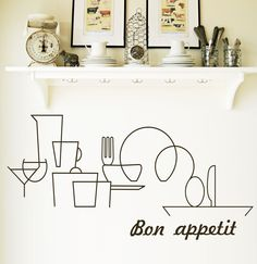 Menaje de cocina recortado en vinilo del color que más te guste.  El texto se puede personalizar.