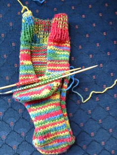 Free Two Needle Sock Knitting Patterns : (Free!) Two Needle Socks knit pattern. Killer Crafts & Crafty Killers: GU...