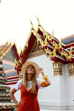 Miss trendy Barcelona: Orange dress in Wat Pho Temple Wat Pho, Bangkok Travel, Orange Dress, Barcelona, Dresses, Fashion, Thailand, Temple, Gowns