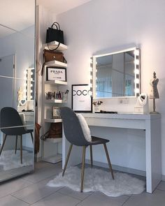 52 best ideas for Diy Muebles Vintage - New room ideas - Beauty Room Bedroom Dressing Table, Dressing Room, Corner Dressing Table, Dressing Table With Chair, Dressing Tables, Stylish Bedroom, Modern Bedroom, Contemporary Bedroom, Master Bedroom