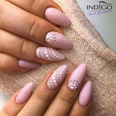 Stiletto pink nails with polka dots - LadyStyle