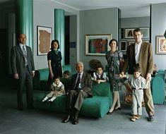 A família Consolandi de Milão em 1996.  The Consolandi Family, Milan, 1996.  © Thomas Struth