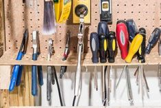 GREAT tool storage ideas for your garage! So many clever and cheap ways to store. - GREAT tool storage ideas for your garage! So many clever and cheap ways to store tools that will ge - Small Garage Organization, Easy Garage Storage, Pegboard Storage, Garage Tool Organization, Tool Storage, Storage Ideas, Organization Ideas, Workbench Stool, Workbench Plans Diy
