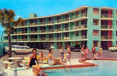 Mid-Century Motels Have Us Longing for Summer Travel