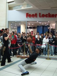 Store opening basketball entertainment www.streets-united.com