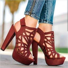 24 Gorgeous Heels For You To Look Stunning On Every Occasion - Page 2 of 2 - Style O Check Dream Shoes, Crazy Shoes, Me Too Shoes, Gorgeous Heels, Beautiful Shoes, Hot Shoes, Shoes Heels, Jeans Heels, Unique Shoes