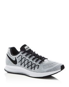Built to deliver highly responsive performance, Nike removed the midfoot overlays on this model and wrapped it in Flywire cables for breathable, structured support around the arch. A crash rail design