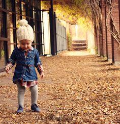 Herbst-Winter Styling für Baby-Mädchen-Jeanskleid