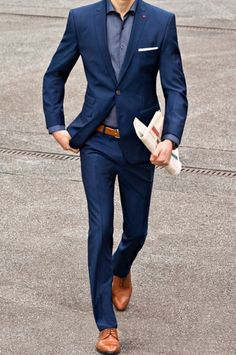 chap 5 26 dope blue suit outfit ideas for every occasion Blue Suit Outfit, Blue Suit Men, Men's Blue Suits, Navy Suit Brown Shoes, Dark Blue Suit, Navy Blue, Blazer Outfits Men, Stylish Mens Outfits, Men Blazer