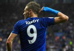 Jamie Vardy từ chối Arsenal để ở lại Leicester