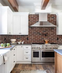 Italian Farmhouse, Granite Bay, Boutique Interior, Life Is Beautiful, Kitchens, Interior Decorating, Kitchen Cabinets, Interiors, Home Decor