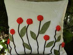 Красивые подушечки с очень красивым объемным декором. Обсуждение на LiveInternet - Российский Сервис Онлайн-Дневников