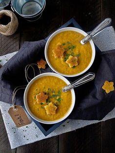 Crema de brócoli y tomate. Una perfecta crema caliente que nos explican cómo preparar desde el blog Jaleo en la Cocina.