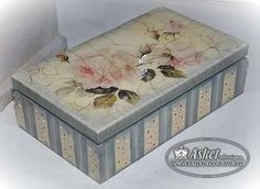Risultati immagini per decoupage box ideas Decoupage Art, Decoupage Vintage, Tole Painting, Painting On Wood, Shabby Boxes, Christmas Gift Card Holders, Pretty Box, Painted Boxes, Vintage Box