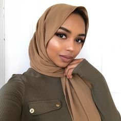 The seven shades of black in Sudan – sahelsavannah Muslim Women Fashion, Womens Fashion Online, Latest Fashion For Women, Islamic Fashion, Modest Dresses, Modest Outfits, Modest Clothing, Hijab Fashion, Modest Fashion