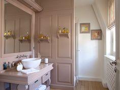 Plus besoin de disposer de grands volumes pour créer une salle de bains chaleureuse et...