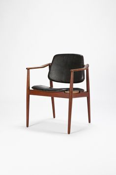 Arne Vodder; Teak and Leather Armchair for Bovirke, c1950.