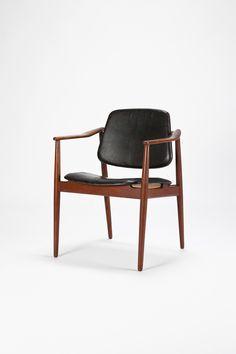 Arne Vodder; Teak and Leather Armchair for Bovirke, c1950.