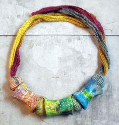 Tube Beads Handmade by mara Paper Bead Jewelry, Fabric Jewelry, Paper Beads, Beaded Jewelry, Jewelry Art, Jewelry Necklaces, Jewellery, Fabric Necklace, Fabric Beads