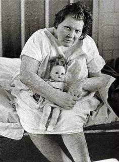 Mental Institution, East Louisiana State Mental Hospital, 1963 by Richard Avedon Richard Avedon, Mental Asylum, Insane Asylum, Prison, Psychiatric Hospital, Abandoned Asylums, America Images, Foto Art, Mental Illness