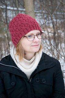 Hettie's Bavarian twisted stitches produce a clean, distinct texture and depth. Its rounded crown and hit of slouch make it perfect with or without a pompom.