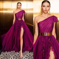 This color 😍🥀 Fashion Moda, Runway Fashion, Fashion Outfits, Women's Fashion, Fashion Ideas, Fashion Design, Dubai Fashionista, Bridesmaid Dresses, Prom Dresses