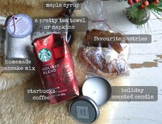 Breakfast in Bed Gift Basket: perfect easy and thoughtful Christmas present includes a recipe and homemade mix for pancakes and free printable instruction card for gift giving. Great for a hostess or teacher gift. Holiday Gift Baskets, Diy Gift Baskets, Christmas Baskets, Basket Gift, Diy Christmas, Breakfast In Bed, Breakfast Basket, Easy Gifts, Homemade Gifts