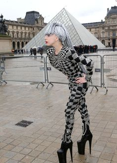 Lady Gaga Visits Museums in Paris Wearing Interesting Outfit!: Photo Lady Gaga steps out wearing huge high heeled shoes with an interesting outfit while visiting the Musée du Louvre on Monday (January in Paris, France. Lady Gaga Outfits, Lady Gaga Fashion, Lady Gaga Shoes, Jojo Fashion, Mtv, Lady Gaga Artpop, Hair Shows, Queen, Female Singers