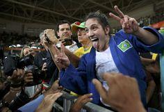 Guria de bronze: Mayra cai na semi, se levanta e leva sua 2ª medalha olímpica #globoesporte