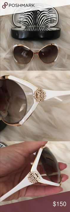 Roberto Cavalli Sunglasses In great condition. No damage to lens. Roberto Cavalli Accessories Sunglasses