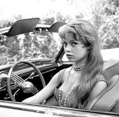 Un jour un destin - Brigitte Bardot F512d4798f5e2f34f31885249c8b25a9