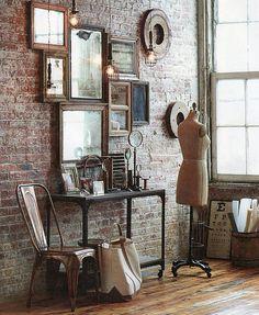 Pared de ladrillos + varios espejos = excelente combinación