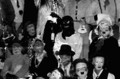 10 Halloween Urban Legends (Can You Tell Which Ones Are Real?) -        Halloween is a time that is filled with myth and lore and there are some creepy legends surrounding the spookiest day of the year. In this list, there are some entries that are fictional stories, while others really happened. Can you figure out which ones are true and which ones are... - http://toptenz.net