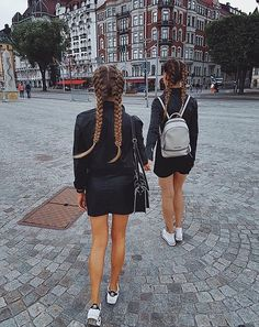 Tag your sisters! Bff Pictures, Best Friend Pictures, Friend Photos, Cher And Dionne, Bff Poses, Friend Tumblr, Tumbrl Girls, Instagram Worthy, Best Friend Goals