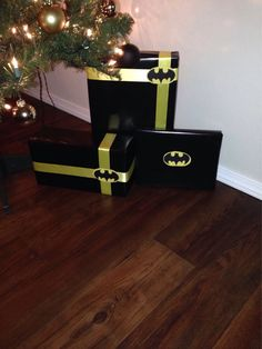 Batman wrapped presents for Bean Batman Birthday, Batman Party, Christmas Time, Christmas Crafts, Christmas Decorations, Christmas Presents For Kids, Mens Christmas Gifts, Batman Christmas Tree, Christmas Birthday