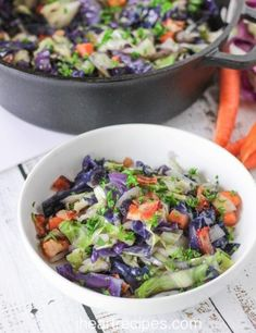 Looking for a quick weeknight dinner? This cabbage and bacon stir fry is fresh, fast, and delicious! Crispy bacon and fresh carrots give this dish a crunch. Cabbage And Bacon, Cabbage Recipes, Red Cabbage, I Heart Recipes, Simple Recipes, Stir Fry Ingredients, Sweet Carrot, Brunch, Wie Macht Man