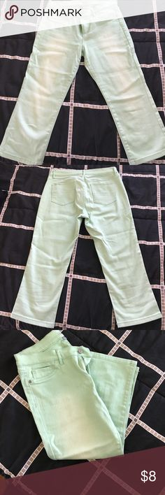 Soho Faded Green Cropped Legging Jeans Soho Faded Green Cropped Legging Jeans. New York and company. Great condition. Two small stains on left front side barely visible. Size 10. New York & Company Jeans Ankle & Cropped