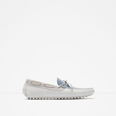 Image 1 of TUMBLED LEATHER DRIVING SHOES from Zara