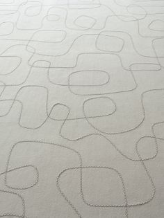 Script – Paola Lenti | rug embroidered by hand, felt 100% pure virgin wool