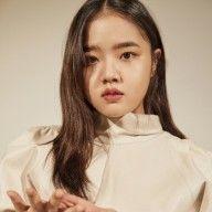 김향기, 스무 살 소녀의 진중함…담백한 미모 #드라마 #web #kdrama #romantic #best Korean Actresses, Korean Actors, It Cast, Female, Random