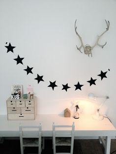 DIY black stars string
