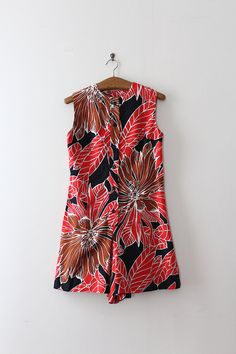 Adorable floral romper from the 1960s Label: Kay Silver