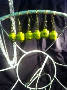 Another good way to get a head.) If you get more of these, you can chooce which ones to use each day, for example depending on the mood you're in! Recycled Materials, Making Out, Wind Chimes, Lego, Recycling, Dots, Outdoor Decor, Stitches, Upcycle